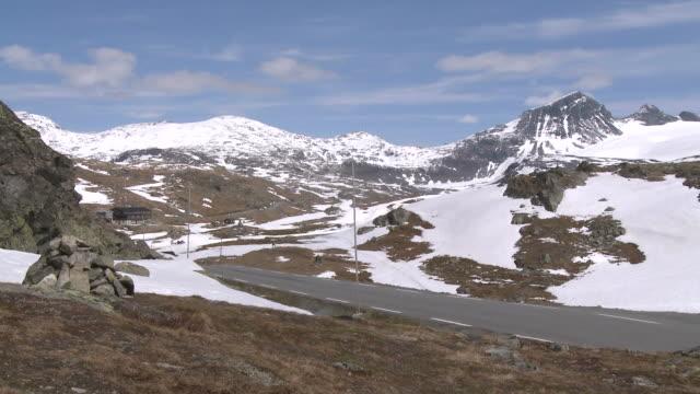 WS View of snowy Sognefjellsvegen mountain / Jotunheimen Nationalpark, Sogn og Fjordane, Norway