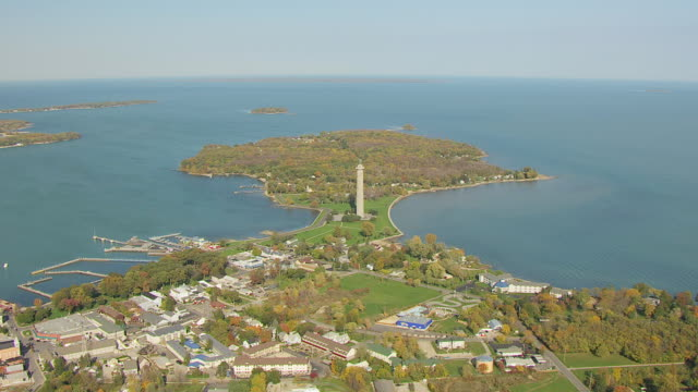 ws aerial view of south bass island and perry's victory and international peace memorial / ohio, united states - lago erie video stock e b–roll