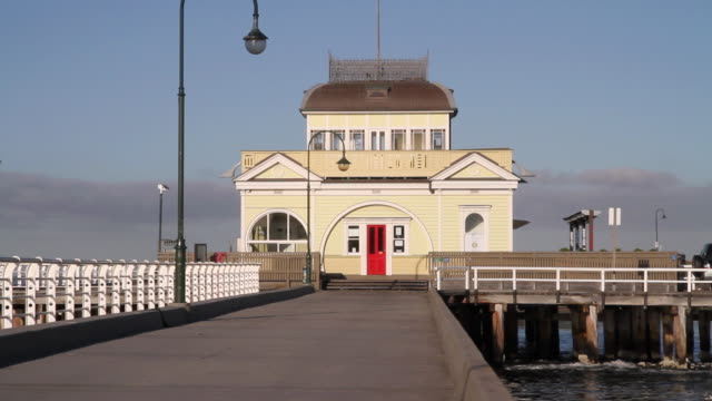 ms view of st kilda pier pavilion / melbourne, victoria, australia - pavilion video stock e b–roll