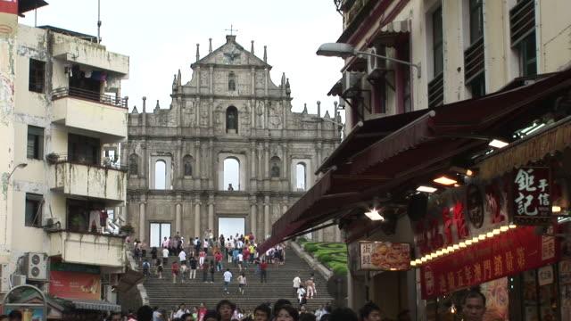 view of st paul's church in macau china - 聖ポール天主堂跡点の映像素材/bロール