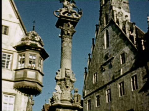 vídeos de stock, filmes e b-roll de ms tu view of statue   audio / germany - janela saliente