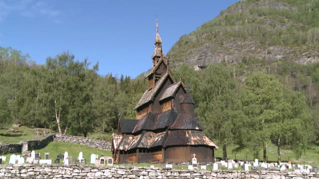 ws view of stave church / borgund, sogn og fjordane, norway - kirchturmspitze stock-videos und b-roll-filmmaterial