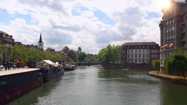 vídeos de stock e filmes b-roll de view of strasbourg - estrasburgo