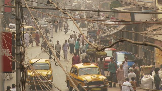stockvideo's en b-roll-footage met view of street in kolkata india - calcutta