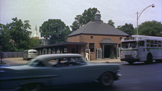 ms view of street / washington d.c., united states - 1957 stock-videos und b-roll-filmmaterial