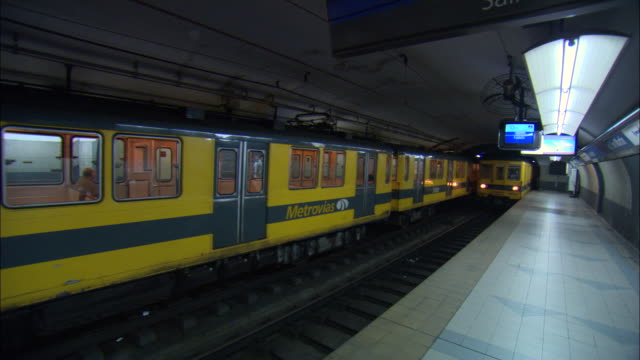 WS PAN View of subway train station / Buenos Aires, Argentina