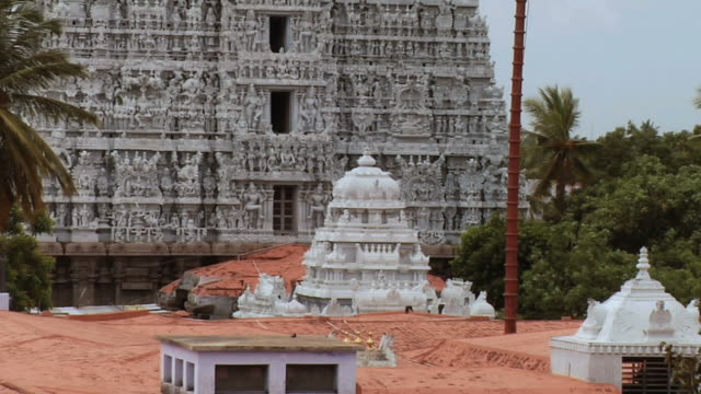 ws zo view of suchindram temple / kanyakumari, tamil nadu, india - famous place stock videos & royalty-free footage