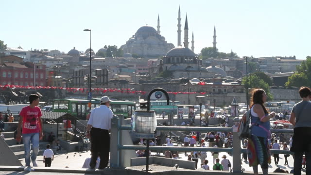 ws view of sultanahmet mosque surrounding area with people / istanbul, turkey - eminonu district stock videos and b-roll footage