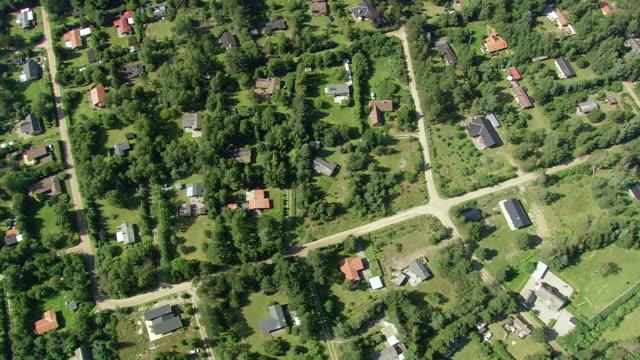 ws aerial view of summer houses / vestsjaelland, denmark - küste stock-videos und b-roll-filmmaterial