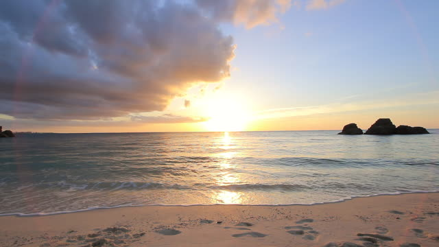 WS View of sun setting at the beach / Chatan, Okinawa, Japan