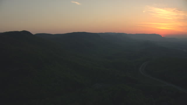ws aerial view of sunrise over hills of cumberland gap / kentucky, united states - appalachian mountains stock videos & royalty-free footage