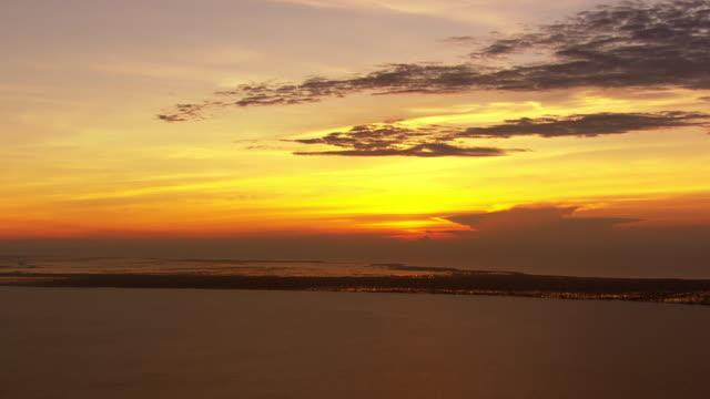 View of sunrise over lake Pontchartrain / United States