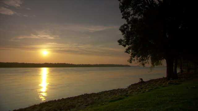 WS View of sunset near mississippi river / Memphis, Tennessee, United States
