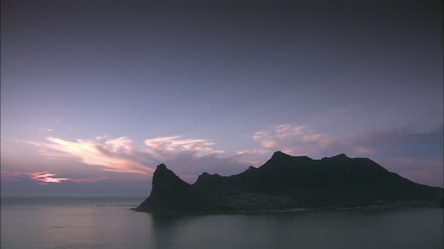 WS PAN View of sunset over Cape Peninsula / Cape Town, Western Cape, South Africa