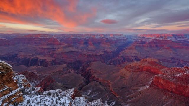 t/l view of sunset over south rim of grand canyon / grand canyon national park, arizona, usa - grand canyon bildbanksvideor och videomaterial från bakom kulisserna