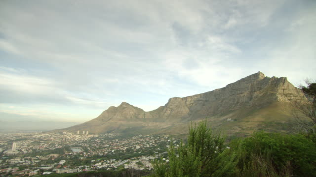 WS View of Table Mountain / Cape Town, South Africa