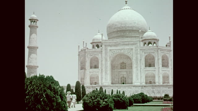 ws view of taj mahal / agra, uttar pradesh, india - mausoleum stock videos and b-roll footage