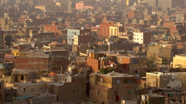 vídeos y material grabado en eventos de stock de vista de la ciudad de el cairo desde una posición elevada. - egipto