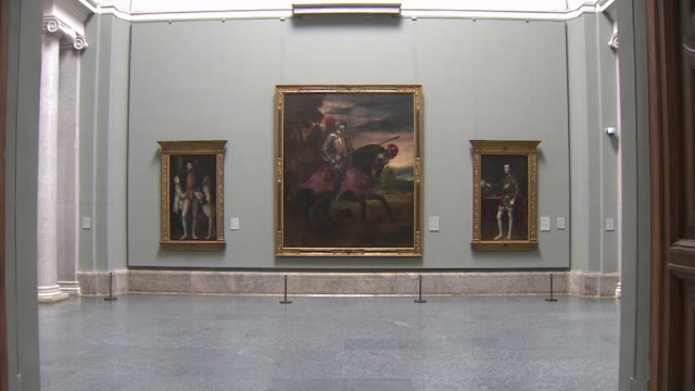 vídeos de stock e filmes b-roll de view of the empty galleries at the prado museum during the coronavirus pandemic. - prado