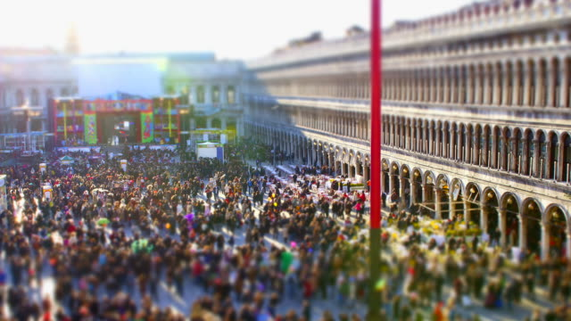 view of the people on the san marco square in venice, italy - besichtigung stock-videos und b-roll-filmmaterial