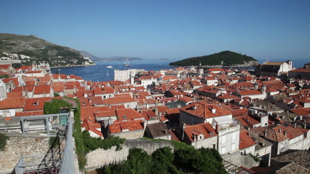 view of the red roofs of dubrovnik - dacherker stock-videos und b-roll-filmmaterial
