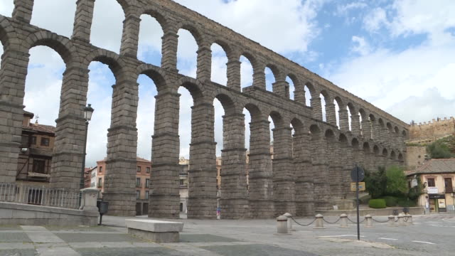 view of the segovia aqueduct and the alcazar during the coronavirus pandemic. - segovia stock videos & royalty-free footage
