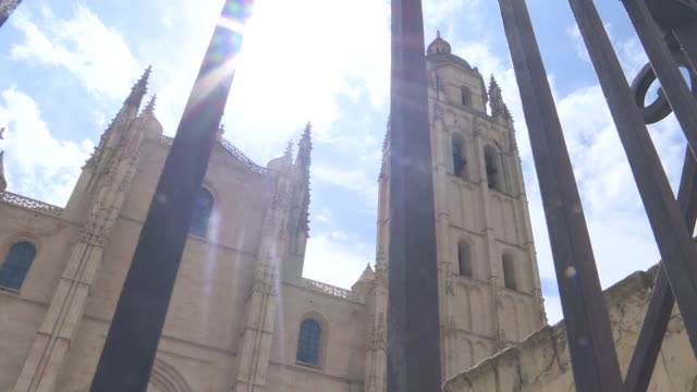 view of the segovia cathedral and the alcazar during the coronavirus pandemic. - segovia stock videos & royalty-free footage