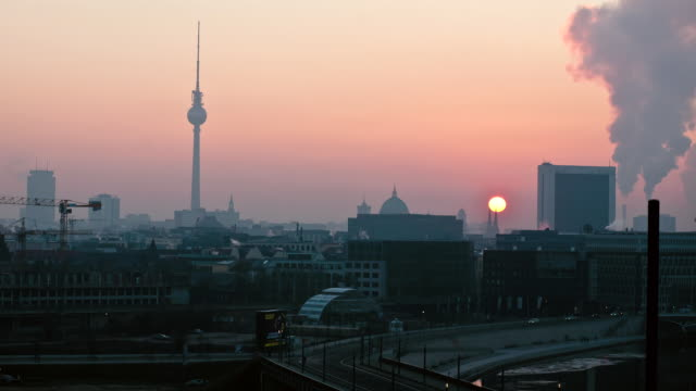 WS T/L View of the sun rising / Berlin, Germany