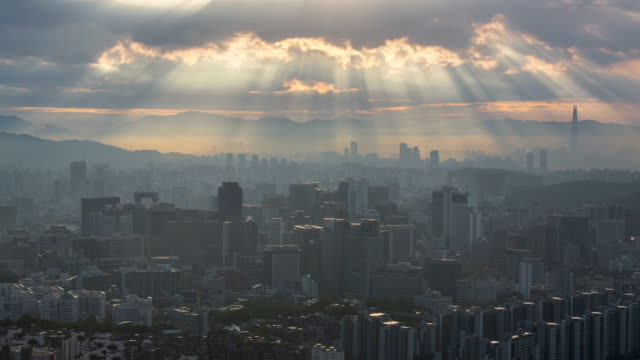 view of the tyndall phenomenon in jung-gu and jongno-gu, seoul - light natural phenomenon stock videos & royalty-free footage
