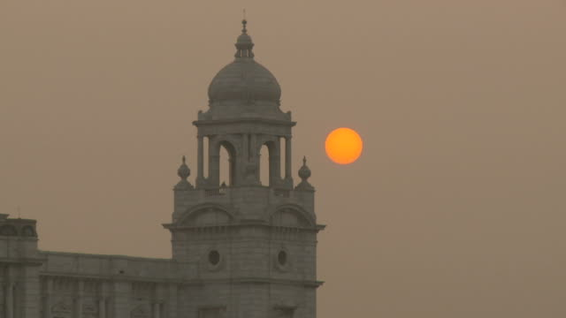 view of the victoria memorial in kolkata india - kolkata stock videos & royalty-free footage