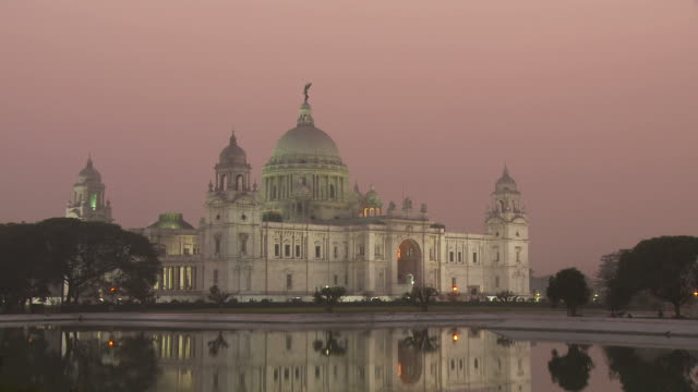 view of the victoria memorial in kolkata india - victoria memorial kolkata stock videos and b-roll footage