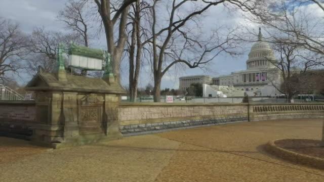 vídeos y material grabado en eventos de stock de view of the white house from a car - vídeo de alta definición