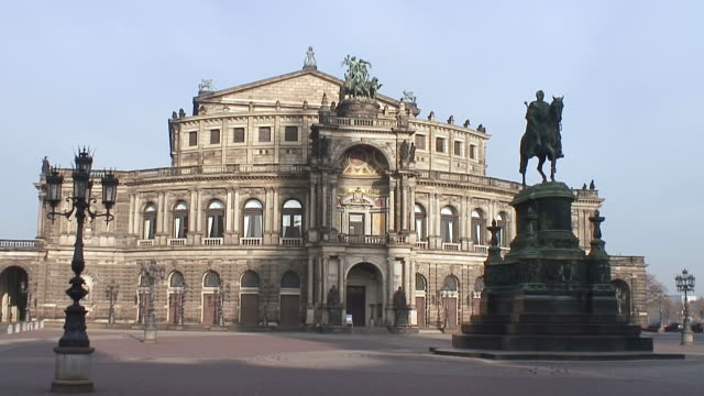 WS View of Theaterplatz and Semperoper / Dresden, Saxony, Germany
