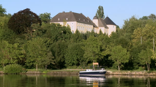 WS View of Thorn Palace near Palzem at river Mosel / Schloß Thorn, Mosel-Valley, Rhineland-Palatinate, Germany
