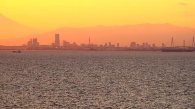 utsikt över tokyobukten vid solnedgången. - kryssa bildbanksvideor och videomaterial från bakom kulisserna