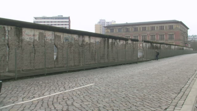 ws view of topographie of terror niederkirchnerstrasse / berlin, germany - cobblestone stock videos and b-roll footage