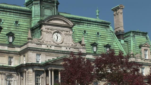 vídeos y material grabado en eventos de stock de view of tourist at montreal city hall in montreal canada - hotel de ville montreal