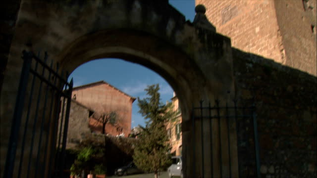 WS TU View of town and ruins of Tuscania (in the Lazio region) in winter / Various, Tuscany, Italy