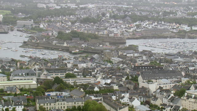 ws aerial view of town concarneau / brittany, france - finisterra bretagna video stock e b–roll