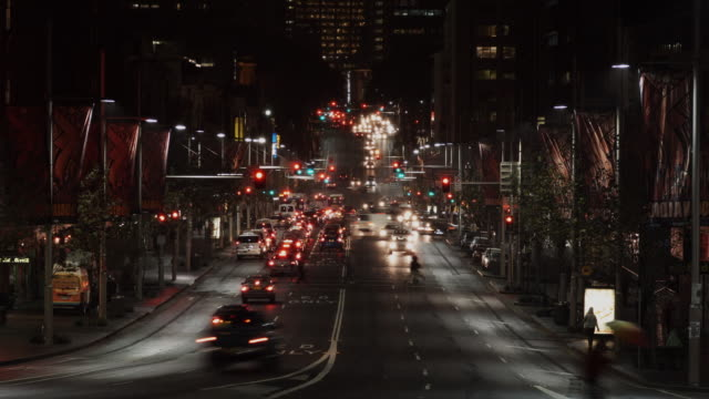 ws t/l view of traffic on william street at night / sydney, new south wales, australia - sydney stock videos & royalty-free footage