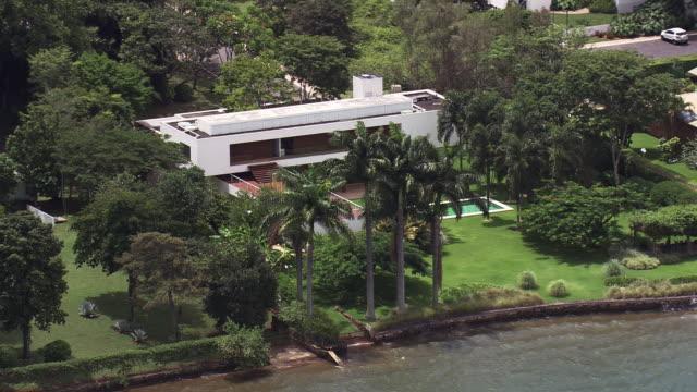 vidéos et rushes de ws aerial view of trees / brasilia, brazil - brésil