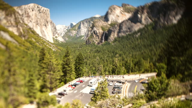 ws t/l view of tunnel view in front of valley / yosemite, california, united states - yosemite nationalpark stock-videos und b-roll-filmmaterial