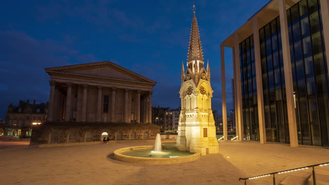 view of two chamberlain square and town hall in birmingham at night - 4k time-lapse - west midlands stock videos & royalty-free footage