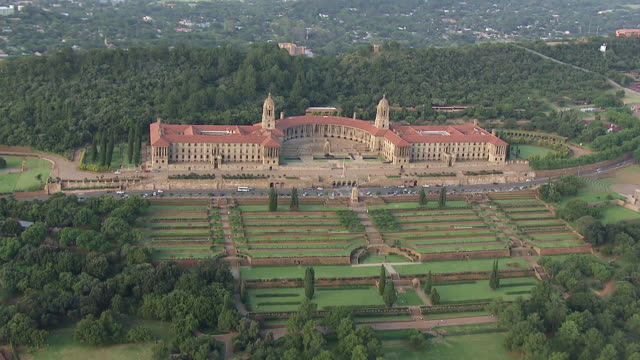 ws aerial ds view of union buildings / pretoria, gauteng, south africa - pretoria stock videos & royalty-free footage