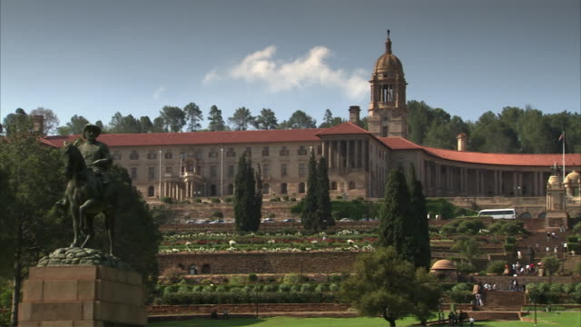 ws pan view of union buildings / pretoria, tshwane, south africa - pretoria stock videos & royalty-free footage