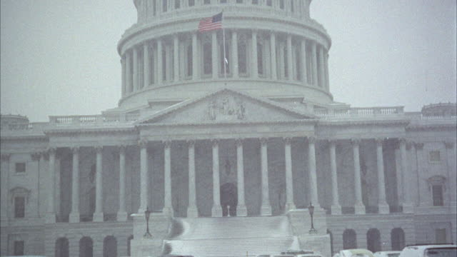 WS TU View of United States Capitol building / USA