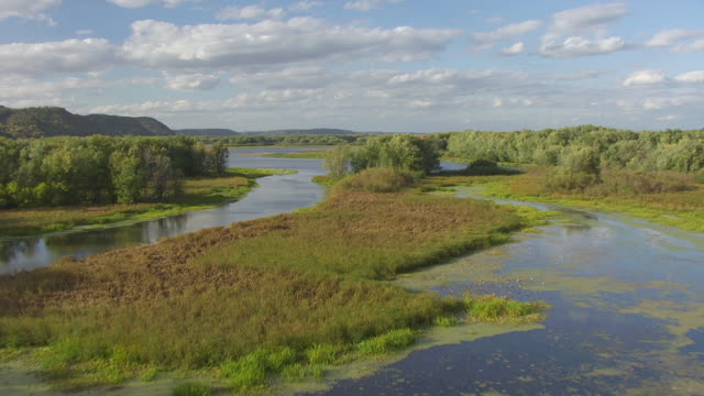 ws aerial view of upper mississippi fish and wildlife refuge / iowa, united states  - river mississippi stock videos & royalty-free footage