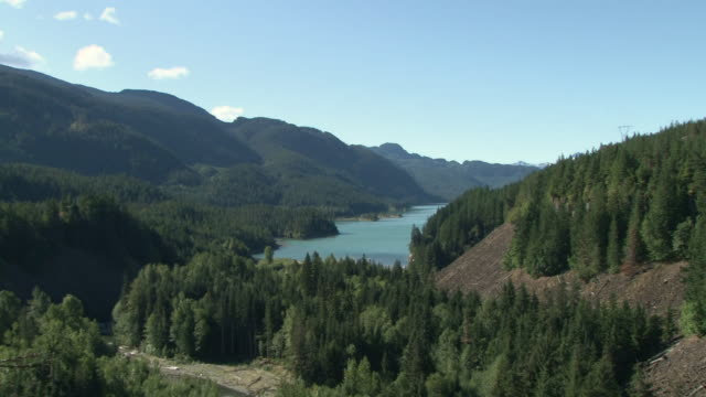 WS ZI ZO View of Valley with Lake / Squamish, British Columbia, Canada