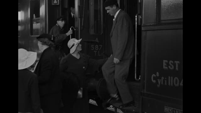 vidéos et rushes de ms view of various trains stationof city / paris, france - 1930