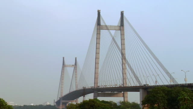 stockvideo's en b-roll-footage met  ws view of  vidyasagar setu bridge / kolkata, west bengal, india - calcutta